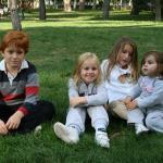 Juan, Gabriela, Bea y Paula en El Retiro