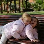 Divertida melé de Paula y Gabriela