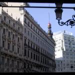 La calle Sevilla de Madrid desde el interior del Café del Príncipe